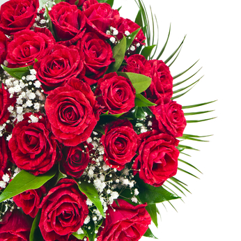 Basket of red roses to send to Ukraine